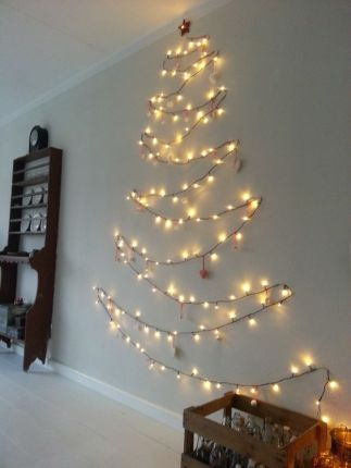 Bild: http://www.welke.nl // Lichterkette als Baum aarangiert