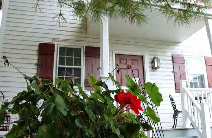 Outside 1777 Americana Inn Bed and Breakfast Ephrata PA