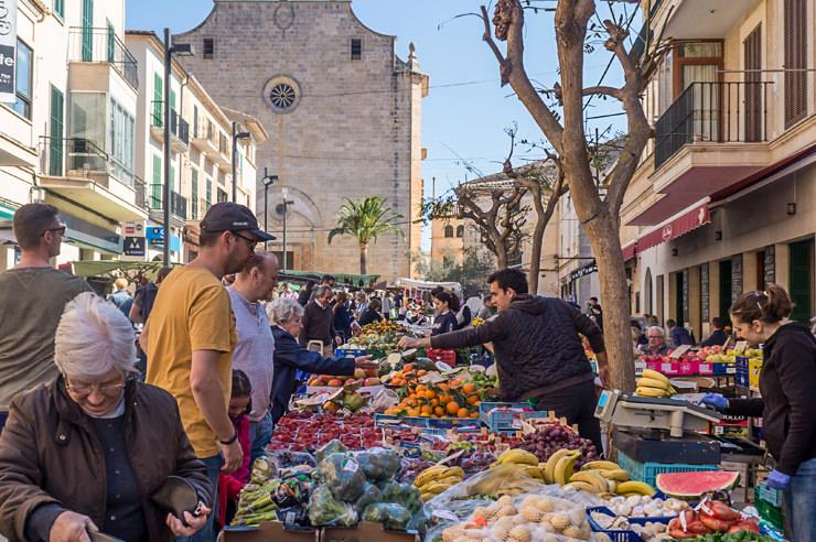 Der Markt in Santanyi auf Mallorca - Am Mittwoch und Samstag einen Besuch wert