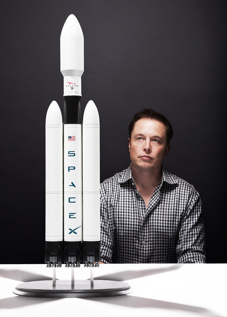 Bezos and Elon Musk Compete Against Each Other to Make Space Travel Cheaper