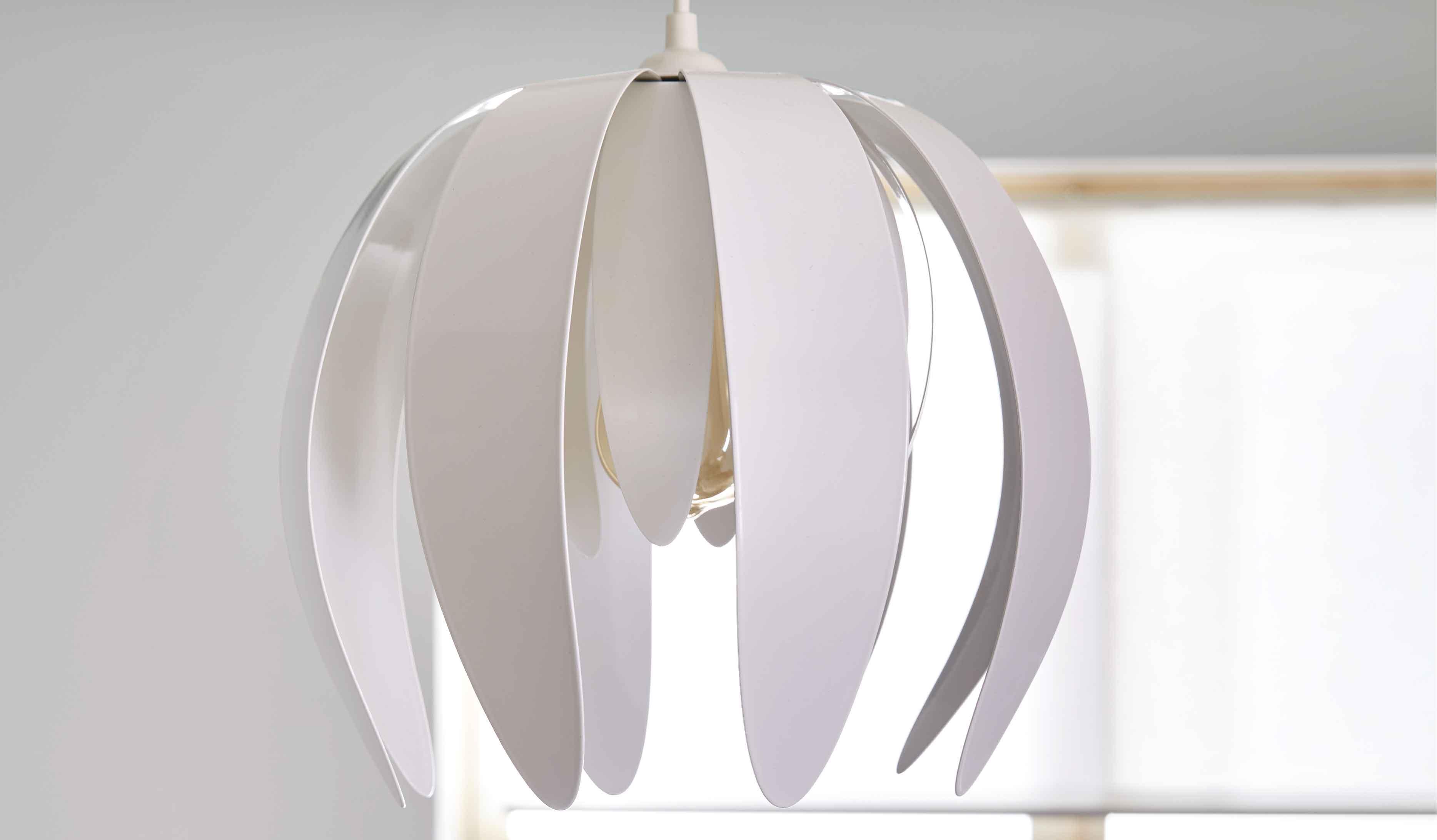 selection de luminaires deco chez castorama pour rendre son interieur unique