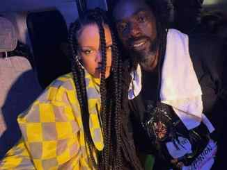 Rihanna and Buju Banton gets cozy