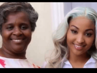 Shenseea poses with her mother