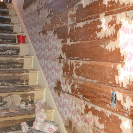 How to remove wallpaper from shiplap