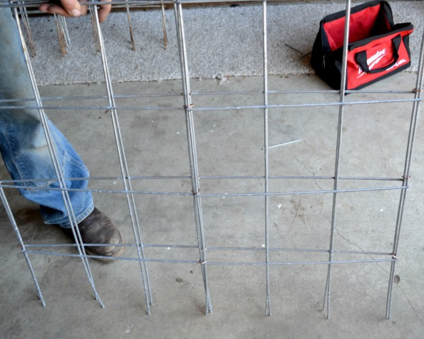 DIY tomato cages that fold flat for easy storage