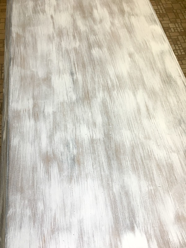Dry brush technique using gray and white chalk paint