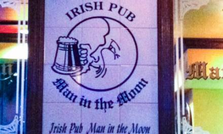 """Man in the Moon"" Irish Pub Gion"