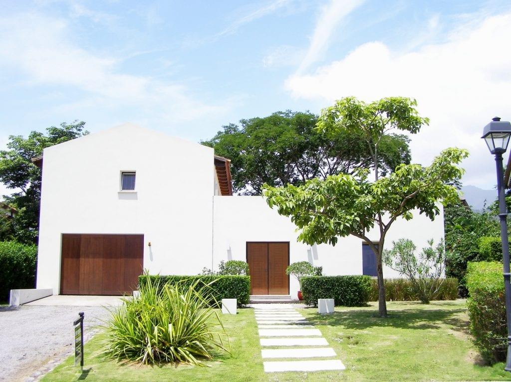 Casa De Lujo en venta Santa Ana en Condominio cerca de la
