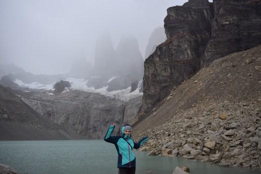 Sophie devant Torres del Paine