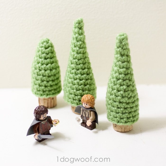 Cork Evergreen Tree - Free #crochet pattern by @1dogwoof