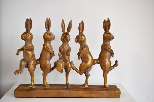5 Tancujúcich zajacov