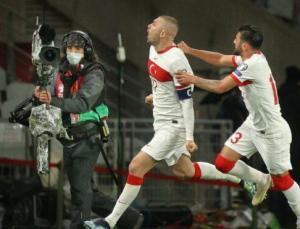 Hollanda karşısında hat-trick yapan Burak Yılmaz geceye damga vurdu