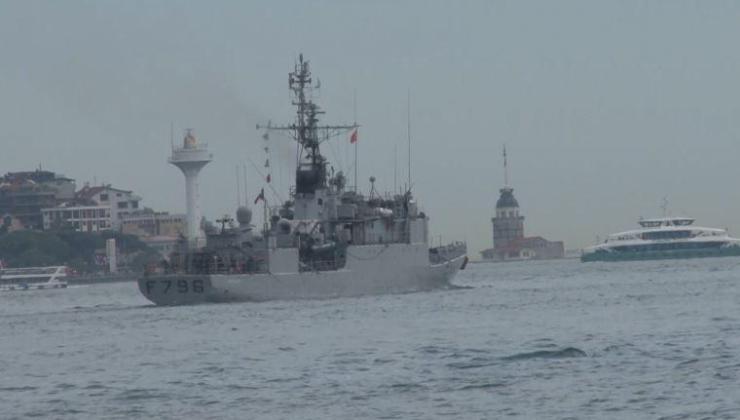 Fransız savaş gemisi İstanbul Boğazı'ndan geçti