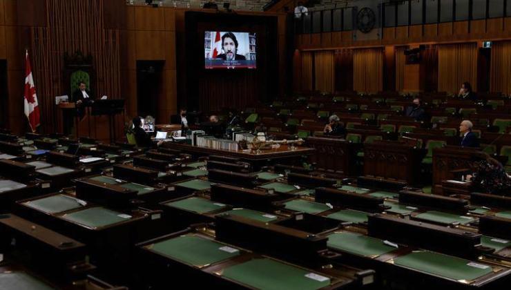 Gündem olmuştu! Parlamento üyesi yine çıplak yakalandı