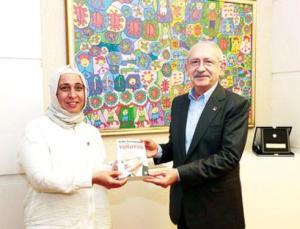 Kılıçdaroğlu 20 bininci kadın üyeyi makamında konuk etti: Kitabını hediye etti