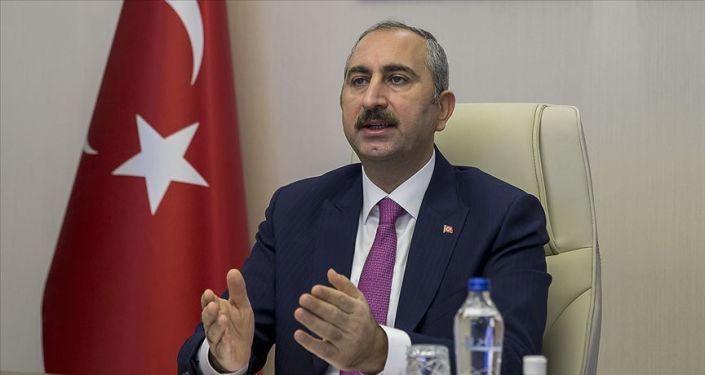Adalet Bakanı Gül: Kadına yönelik şiddetle mücadele aynı zamanda insan hakkı mücadelesidir