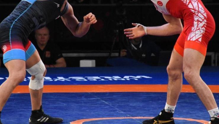 Milli güreşçi Sevim Akbaş, Bulgaristan'da gümüş madalya kazandı