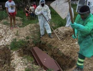 Ülke şokta! Corona ölümleri 500 bine yaklaştı