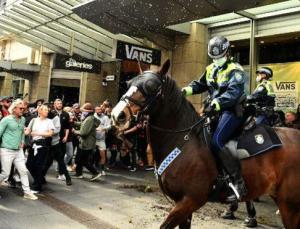 Avustralya'da karantina geri döndü… Halk sokaklara döküldü