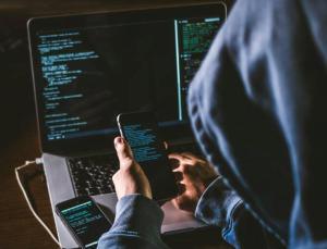 Çalışanlar, finansal kötü amaçlı yazılım saldırılarıyla boğuşuyor
