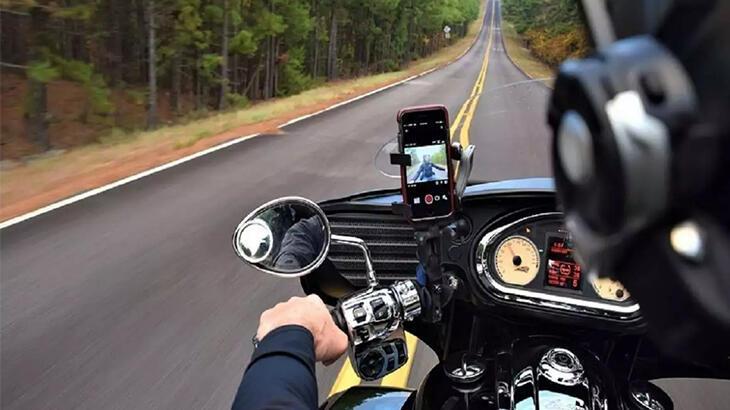 apple'dan motosiklet ve scooter kullanıcılarına 'iphone' odaklı uyarı