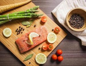 Bilim insanları ömrü uzatan diyeti açıkladı