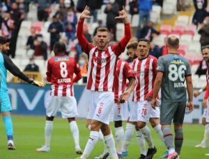 sivasspor, karagümrük'ü dağıttı: 4-0