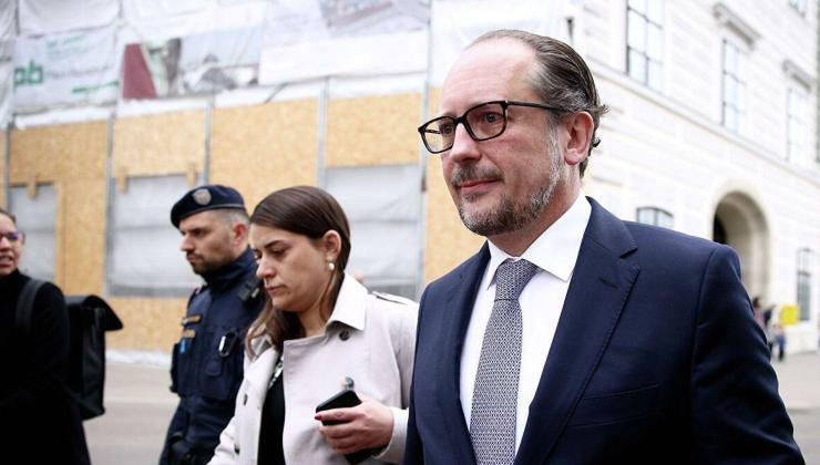 avusturya'da kurz'un istifasının ardından görevi dışişleri bakanı schallenberg devraldı