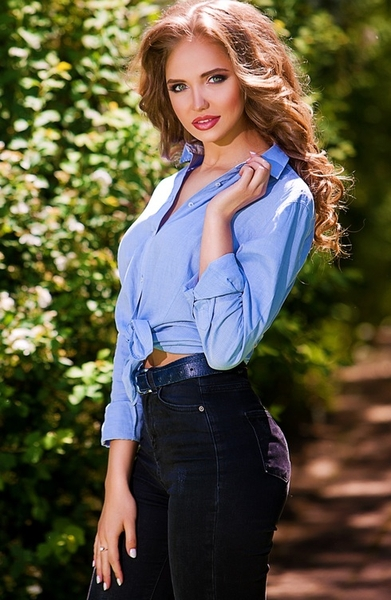 attractive Ukrainian womankind from city Kotovsk Ukraine