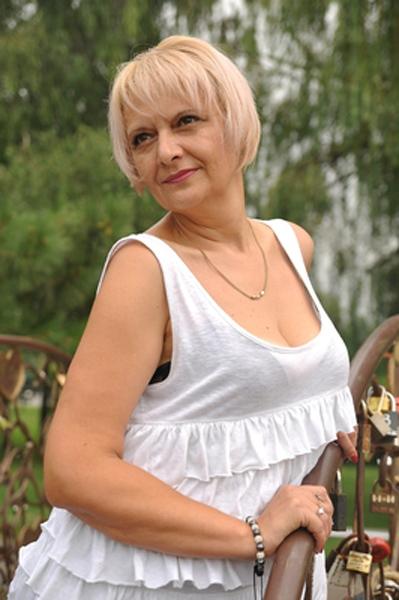 good Anna Ukrainian womanhood from city Dnepropetrovsk Ukraine