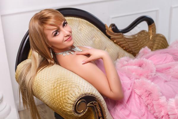 loving Ukrainian womanhood from city Kharkov Ukraine