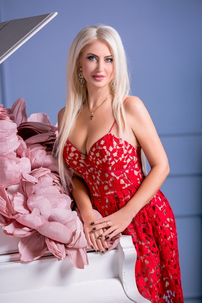 nice-looking Ukrainian woman from city Odessa Ukraine