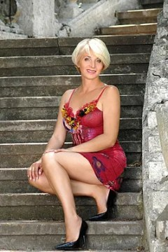 Young man and 50 years old woman dating