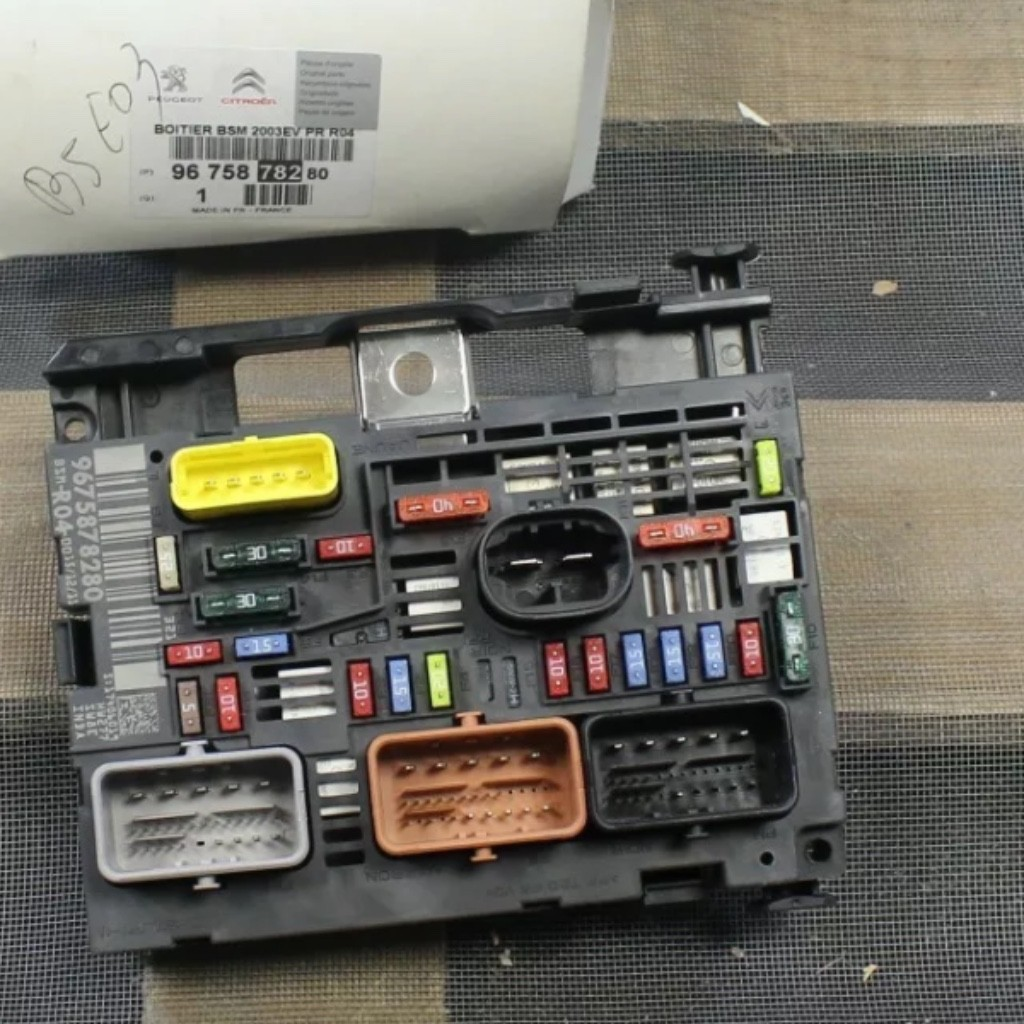 hight resolution of  peugeot expert fuse box