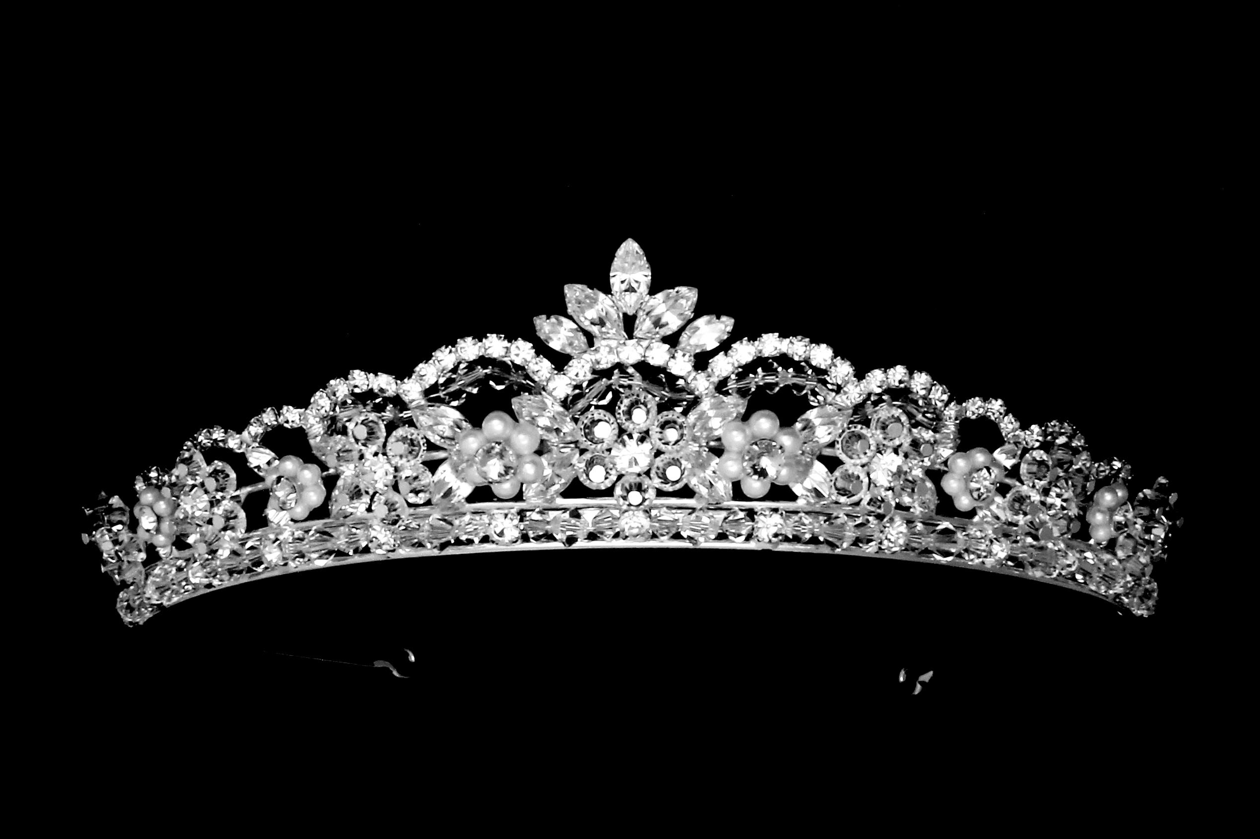 Tiara Amp Crown 36