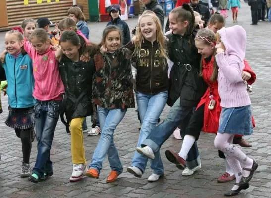 RIAN_archive_398877_Festivities_in_Vladivostok_to_celebrate_International_Children's_Day