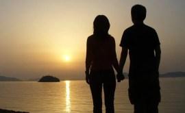 Votre conjoint a une meilleure amie : comment le prendre ?
