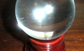 L'art de la Cristallomancie : la voyance par la boule de cristal