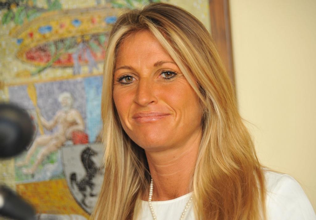 Silvia Chiassai Martini acquista un mezzo stradale per il taglio dell'erba e spargisale, oltre ai concorsi pubblici per assumere operai e figure tecniche.