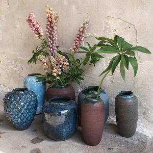 Rikke Elgaard Rikke har tømt ovnen og kom forbi med disse nye smukke vaser i nye glasurvarianter.