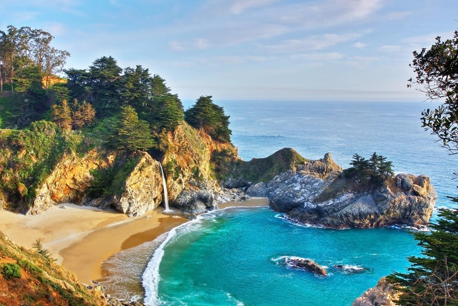 5 American waterfalls to bathe in