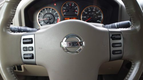 Sell used 2008 Nissan Titan LE Crew Cab Pickup 4Door 56L