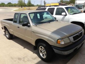 Purchase used 1999 Mazda B3000 SE Extended Cab Pickup 4