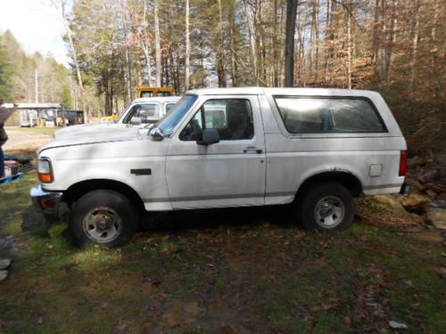 Sell used 1996 Ford Bronco XL Sport Utility 2Door 58L
