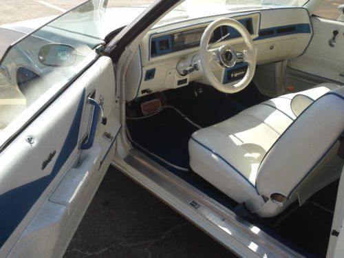 Find new 1986 Cutlass supreme White Custom Interior Unmolested Motor Cruiser Classic in