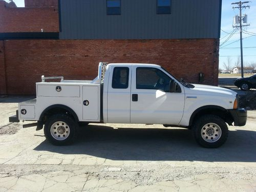 Find used 2005 Ford f350 extended cab 4x4 v10 f350 ext