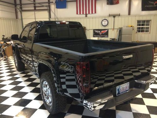 Sell Used 2010 Black Chevrolet Colorado V8 Z71 4x4