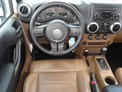 Buy Used UNLIMITED SAHARA 4x4 Low Miles White Tan Leather