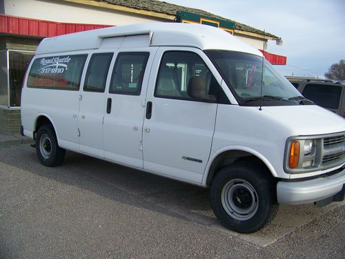 wheelchair express steelcase office chair buy used 2001 chevrolet 3500 w lift passenger or cargo van on 2040 cars