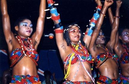 Fela_dancers